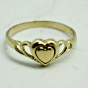 14k 585 Yellow Gold Heart Ring 1.9 Grams Size 6.75
